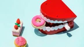 How-to-Whiten-Teeth-With-Baking-Soda