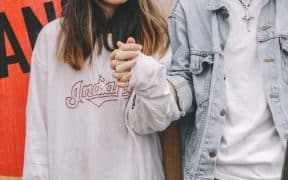 How-to-Get-a-Girl-to-Fall-in-Love-with-You